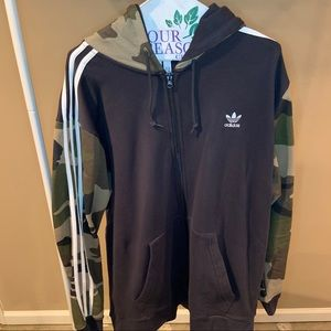 XXL Adidas Zip Up Camouflage Jacket